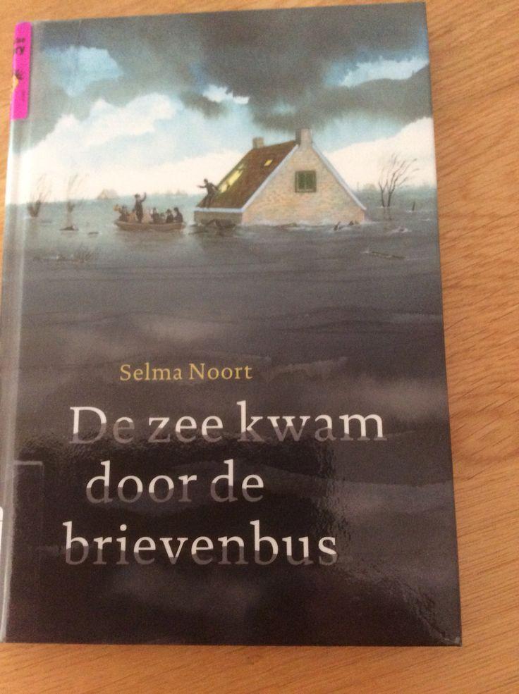 46/53 Selma Noort - De zee kwam door de brievenbus