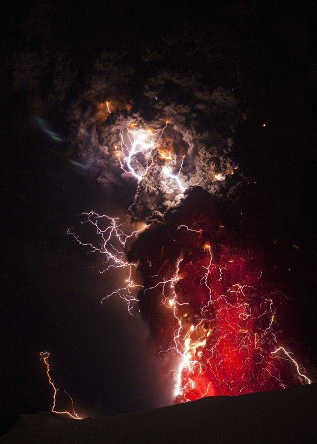 volcano lightning pyrotechnics ash - photo #17