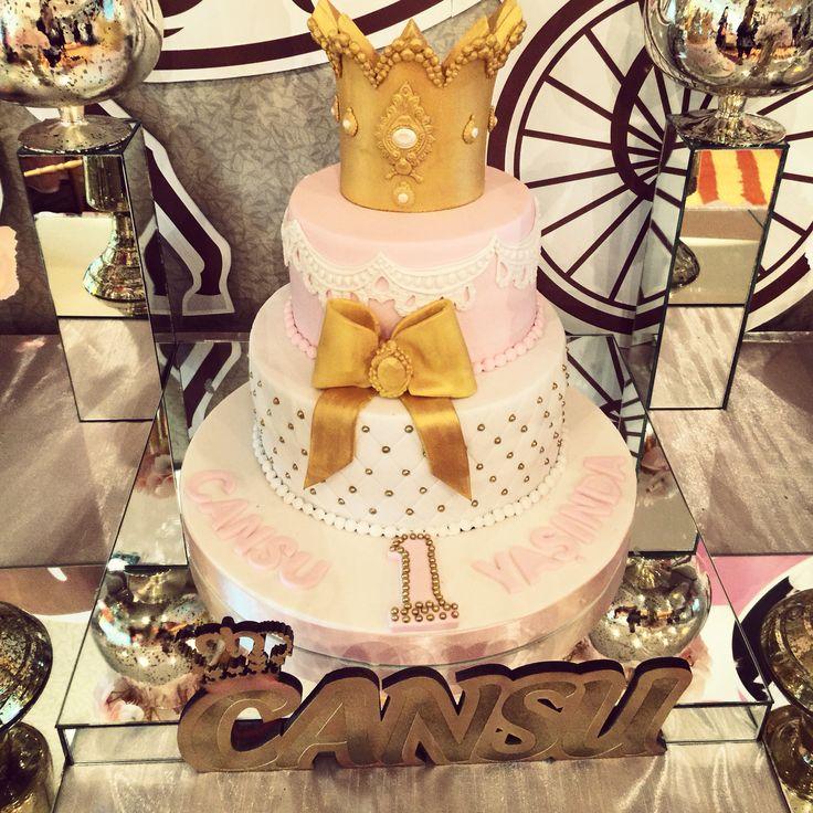 Babyshower cake, pink and gold cake