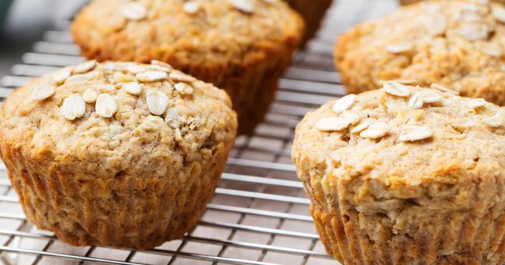Vous tomberez en amour avec ces muffins santé aux pois chiches, parfaits pour le déjeuner ou la collation d'après-midi!