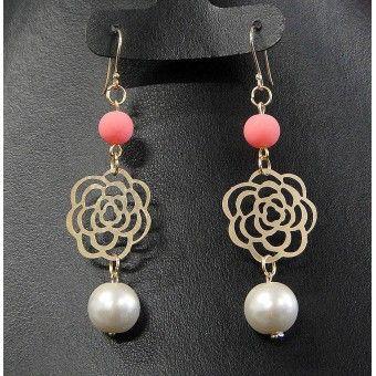 Aretes de Moda con Chapa de Oro, Perla y Dije de Flor