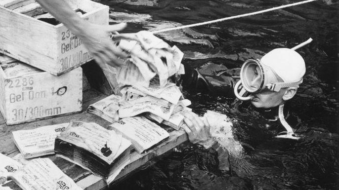 """Durante más de 220 años, los cazadores de tesoros han tratado de desentrañar el misterio de Oak Island, ubicado en la costa sur de Nueva Escocia, Canadá. Aunque no está claro exactamente lo que están buscando (el oro pirata, los manuscritos perdidos de Shakespeare, un barco hundido vikingo), algunos han pagado un alto precio: En 1961, cuatro hombres murieron durante una excavación malograda en la isla del famoso """"pozo del dinero"""". Mientras la búsqueda continúa en Oak Island, exploremos otros…"""