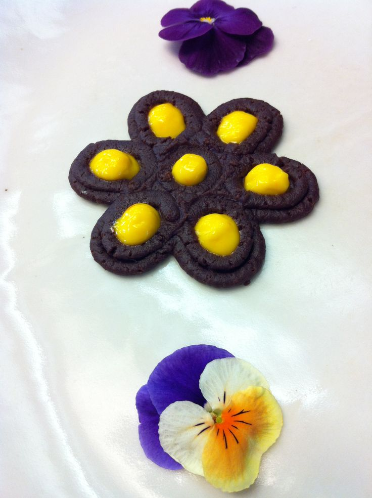 Some flowers are for decoration, some flowers are 3D printed and yummy to eat!