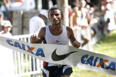 Damião Souza consegue índice olímpico da maratona