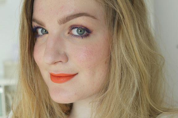 http://veracamilla.nl/2014/02/fotd-blauwe-essence-mascara/ blue mascara makeup look by VeraCamilla