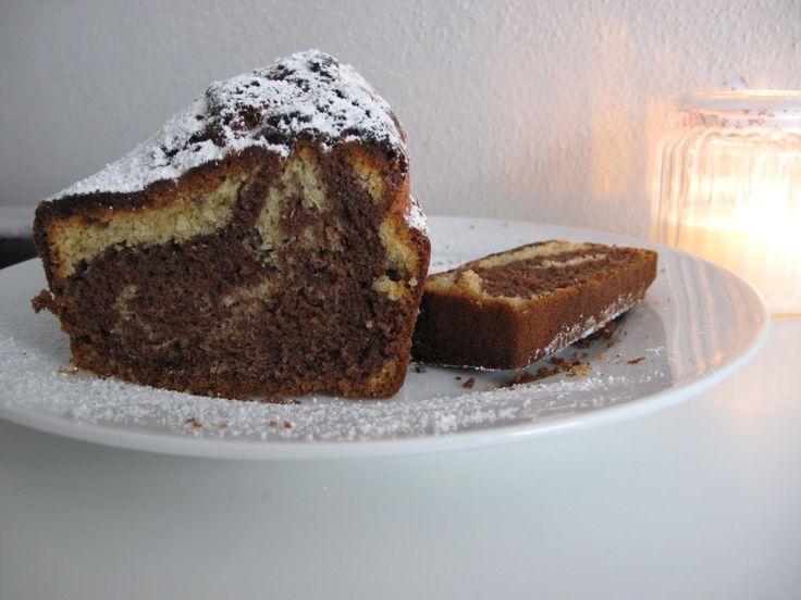 Das perfekte Nutella Mamorkuchen-Rezept mit Bild und einfacher Schritt-für-Schritt-Anleitung: Man nehme 3 Eier und 150gr Zucker - schlage das ganze schaumig;