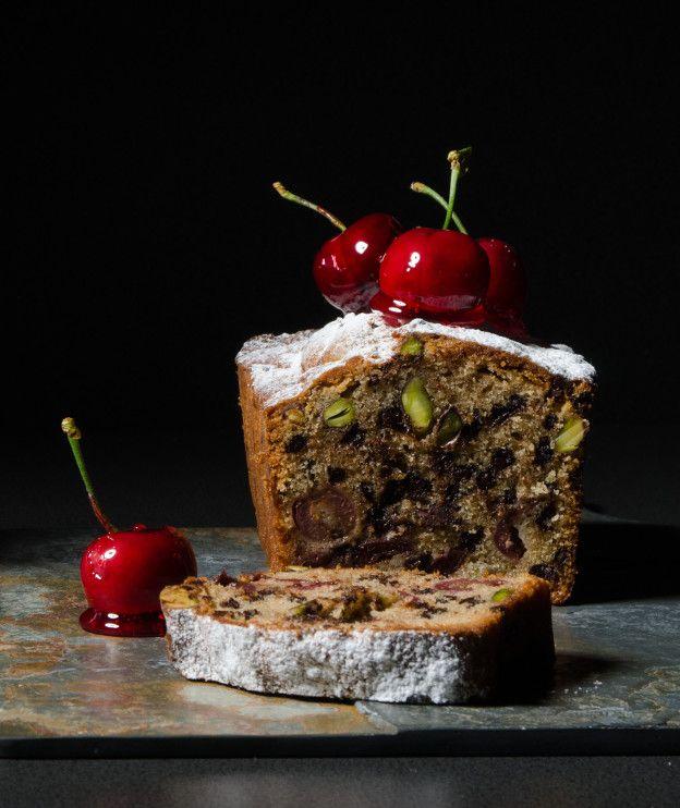 Κέικ με κεράσια και φιστίκια