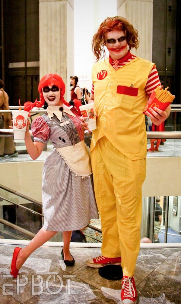 The original Ronald McDonald sure has changed! In this cosplay version by LenLENko, he looks like Japanese vocaloid Hatsune Miku. She's one of many original takes on the clown face of the McDonald's corporation. Let's look at how Ronald McDonald has inspired other cosplayers. (Ronald McDonald as the Joker with Wendy as Harley Quinn, photo by Epbot)(Genderbending Ronald by PyramidHeadGirl, photo by Lyon Hart Photography)(A Shinigami from the anime Death Note, cosplayer and photographer…