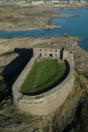 A St Malo, l'île du petit Bé.