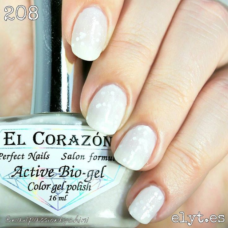 SWATCH TIME Here you have the amazing GIRL ON A WEDDING!! by El Corazón bio gel n. 208 It is a jelly white bride shade with three different glitter sizes white and matte. Itself is very shinny you you won't need top coat!! Available at www.elyt.es @entrelazosytelas  USE MY CODE PASSIONBYCHINI FOR A 15% OFF IN ALL ORDERS!!   LA HORA DEL SWATCH!! Aquí tenéis el increíble GIRL ON A WEDDING!! de El Corazon bio gel n. 208 Es un tono blanco novia jelly con glitter blanco de tres tamaños y mates…