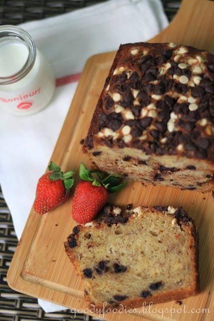 Choc Banana Bread via @Baby Sumo // #banana #recipe #bananabread