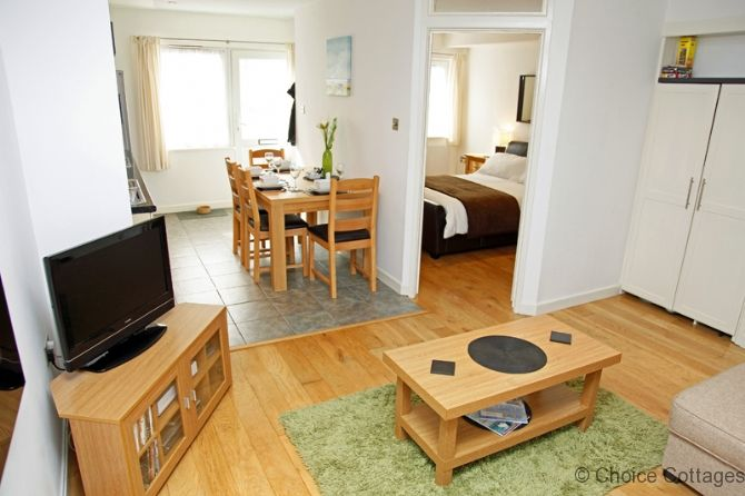 http://www.choice-cottages.co.uk/north-devon-cottage-woolacombe-woolacombe-loot-studio-%7C-1-bedroom-26893.htm