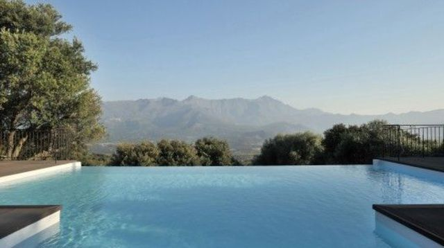 Oltre 25 fantastiche idee su piscine a debordement su for Piscine miroir fabrication