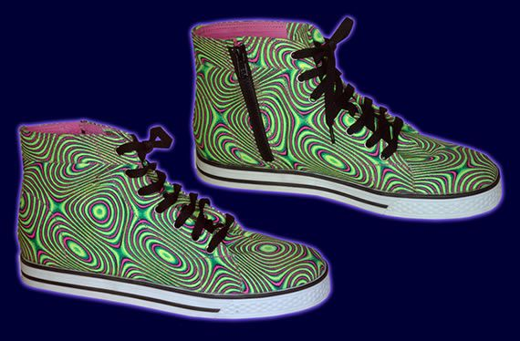 SpaceTribe Allstars  : Liquid Acid http://www.spacetribe.com/shop/accessories-footwear-c-158_287.html