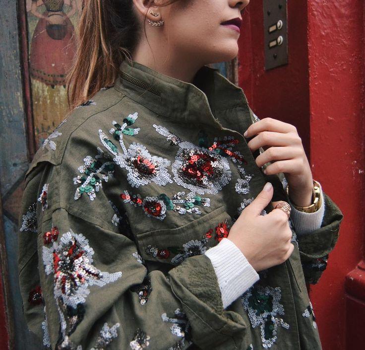 This jacket... I'm in love!  - El tiempo está loco en Londres; que si llueve que si sale el sol que si vuelve a llover... por lo que las chaquetas de entretiempo me están salvando la vida estos días. Esta que os enseño es de mis preferidas (@zara rebajas) pero las de nueva colección son mucho más bonitas!  #MissGSánchezinLondon #London #fashionstyle #fashionworld #fashionblogger #Zara