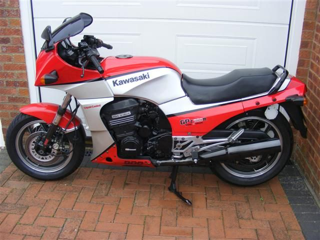1985 Kawasaki GPZ900R A2
