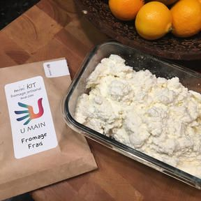 Maman Favoris nous parle de sa première expérience de fabrication de fromage à la maison grâce à son kit U MAIN !