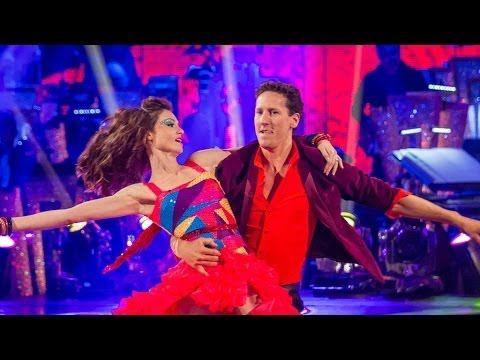 ▶ Sophie Ellis-Bextor & Brendan dance the Samba to 'All Night Long' - Week 3