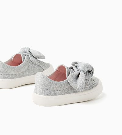 Image 2 of HOOK AND LOOP BOW SNEAKERS from Zara