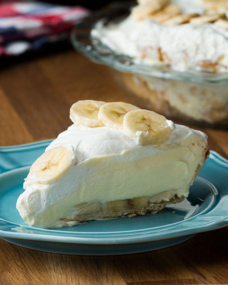 Easy Banana Cream Pie. want to sub regular pie crust with graham cracker crust 😄👌🏽