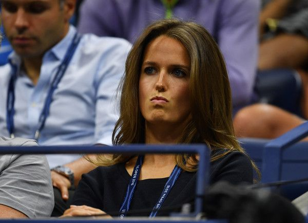 Kim Murray Photos Photos - Kim Murray, wife of Andy Murray of Great Britain watches his fourth round Men's Singles match against Grigor Dimitrov of Bulgaria on Day Eight of the 2016 US Open at the USTA Billie Jean King National Tennis Center on September 5, 2016 in the Flushing neighborhood of the Queens borough of New York City. - 2016 U.S. Open - Day 8