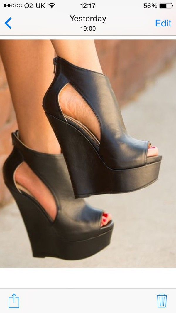 5939c9114635ee There is 1 tip to buy shoes