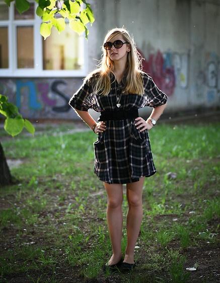 Afternoon Walk (by Vanda Neubergová) http://lookbook.nu/look/3464715-Afternoon-Walk