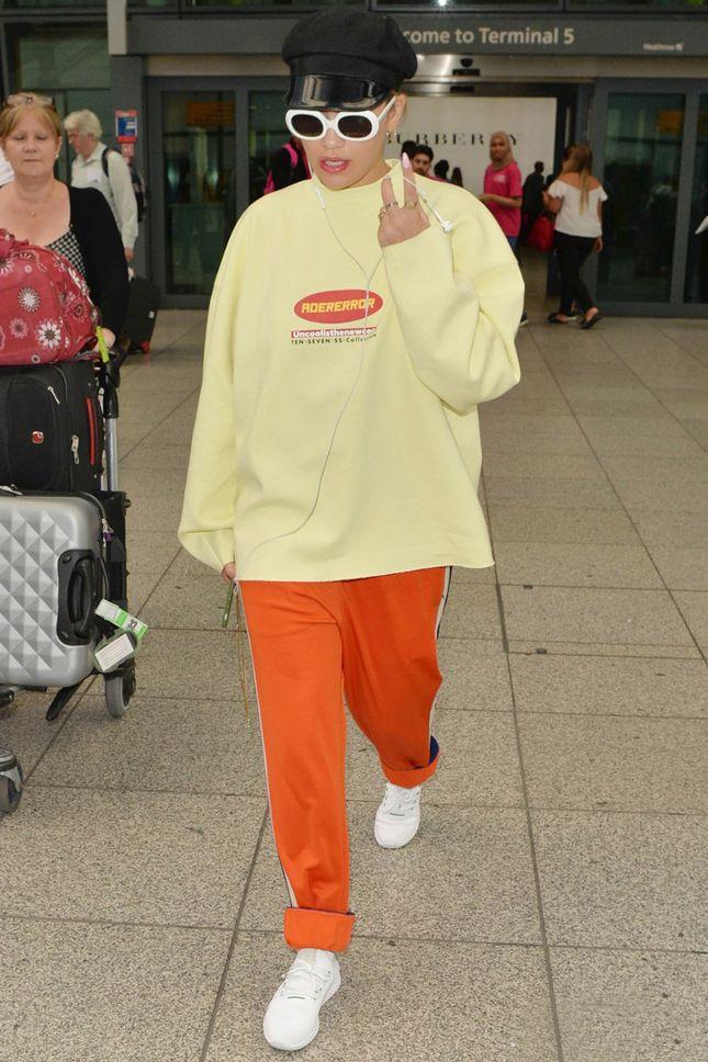 Рита Ора в свитшоте Adererror в Лондоне