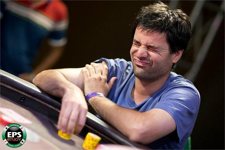 ¿No te salió la carta que necesitabas?   El poker se vive en Enjoy.