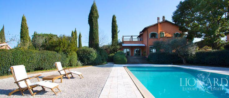Luxury house in Olgiata