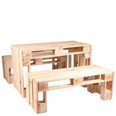 Outdoor-Sitzgruppe HERMANN SET, bestehend aus einem Tisch und zwei Sitzbänken    Palettenmöbel eignen sich nicht nur für moderne Lounge-Bereiche, sondern bieten auch in normaler Sitzhöhe einen echten Hingucker....