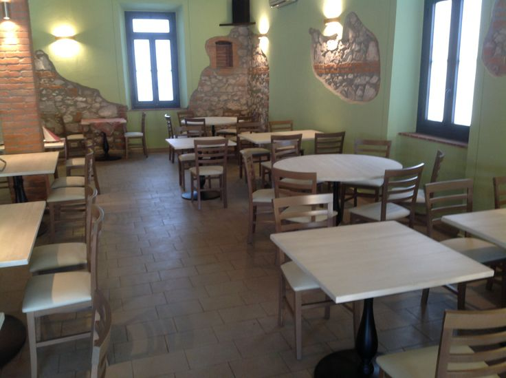 Sono arrivati i tavoli all'Etruria.