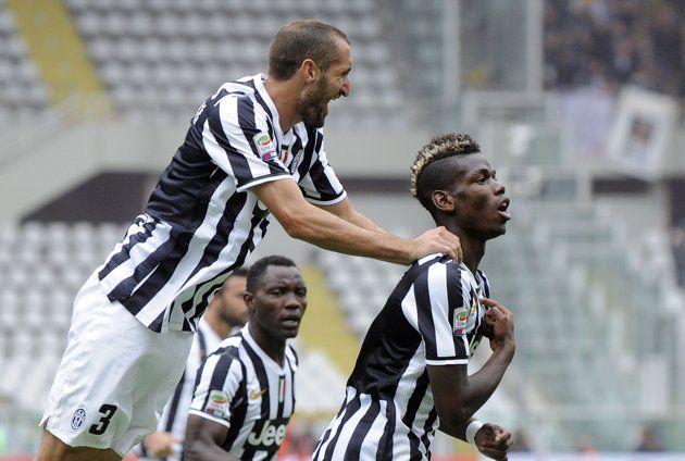 L'esultanza dei giocatori della #Juventus dopo il goal di Pogba contro il Torino