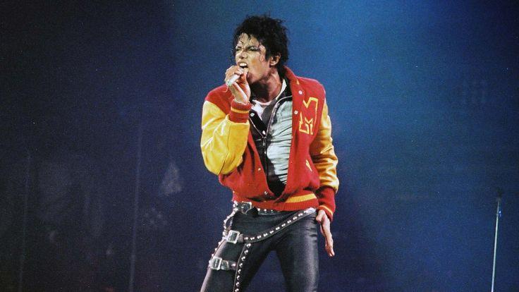 """Michael Jackson war nicht nur der """"King of Pop"""", er ist auch der """"King of Umsatz"""", wie eine neue Liste von Forbes beweist."""