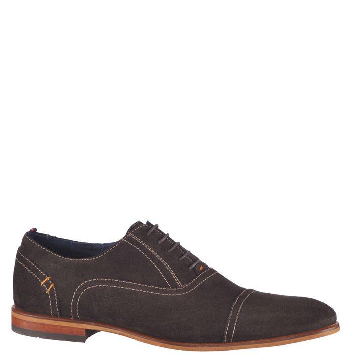 Pantofi eleganti pentru barbati, marca Bonneville. Modelul este realizat din piele naturala de culoare maro, interiorul este din piele naturala iar inchiderea se face cu siret subtire cerat.