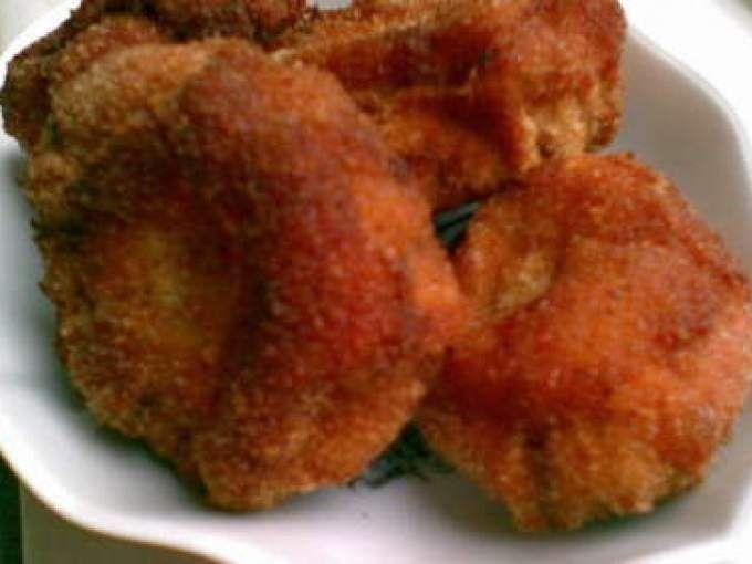 O reteta usor de facut foarte buna si foarte gustoasa, iar pentru prepararea ei avem nevoie de urmatoarele: * ciuperci (eu am folosit champignon) * oua * faina alba * pesmet * ulei * sare * piper Se aleg ciuper - Rețetă Antreuri : Ciuperci pane de...