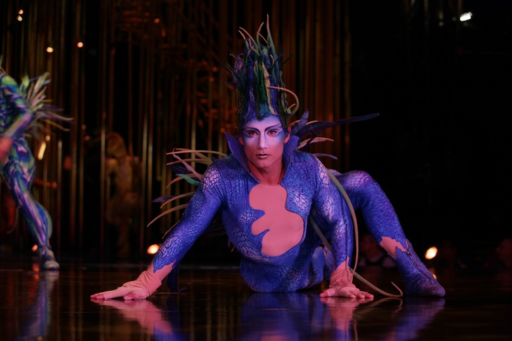 VAREKAI Cirque Du Soleil em temporada pelo Brasil | Revista Savoir Faire/maar de foto is uit 2009 denk ik