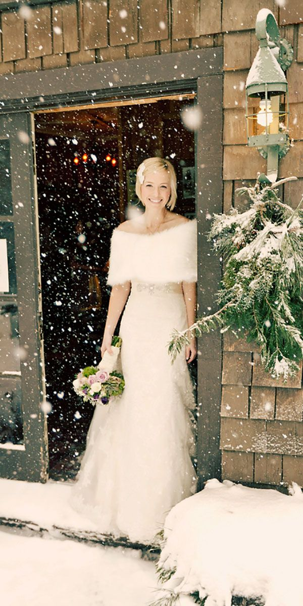 18 Winter Wedding Dresses & Outfits ❤ See more: http://www.weddingforward.com/winter-wedding-dresses-outfits/