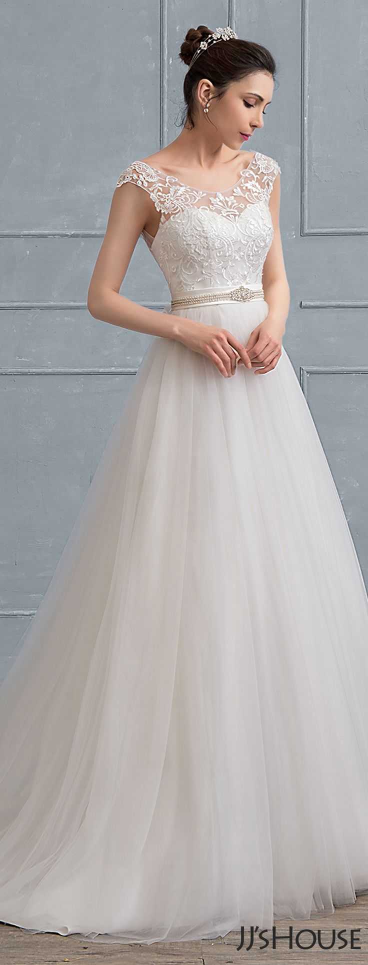 A Classic A-Line/Princess Lace Wedding Dress with  Court Train Tulle. If you are going to hold a tradditional wedding, this dress must be your first choice. #JJsHouse
