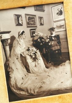 Maria Altmann as a young bride in Vienna 1938                                                                                                                                                     More