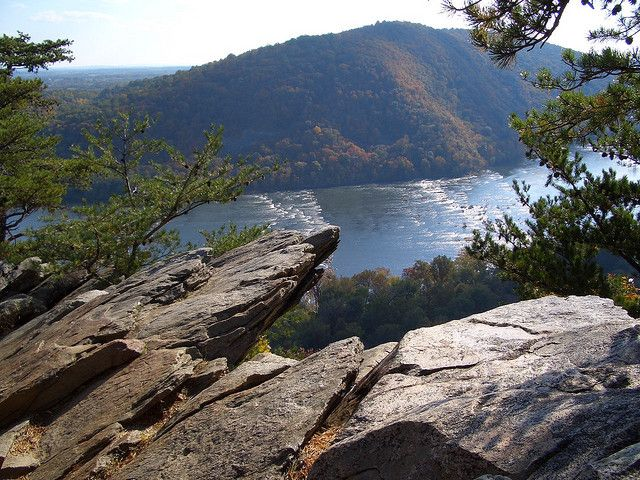 Weverton Cliffs Hike, Harpers Ferry West Virginia..this is right near me. I cannot wait to visit Harpers Ferry