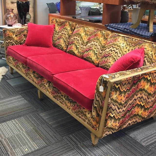 Crazy for the gorgeous cut velvet flame stitch on this sofa, just into Warren Street Antiques today! #Hudson #antiques #hudsonny #hudsonvalley #warrenstreet #upstate #furniture
