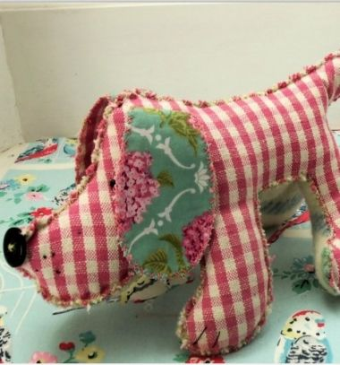Humphrey the Hound - DIY soft toy for kids ( free sewing pattern ) // Humphrey - egyszerű textil kutya plüssjáték (ingyenes szabásminta) // Mindy - craft tutorial collection // #crafts #DIY #craftTutorial #tutorial