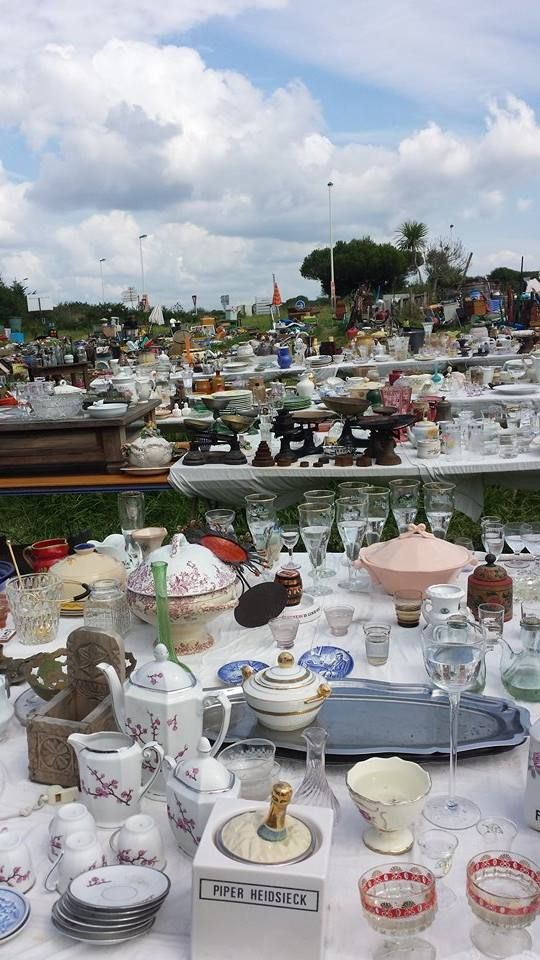 A French flea market. It doesn't seems to interests anyone, the tings standing outside here every day and night time, also at rainy days!