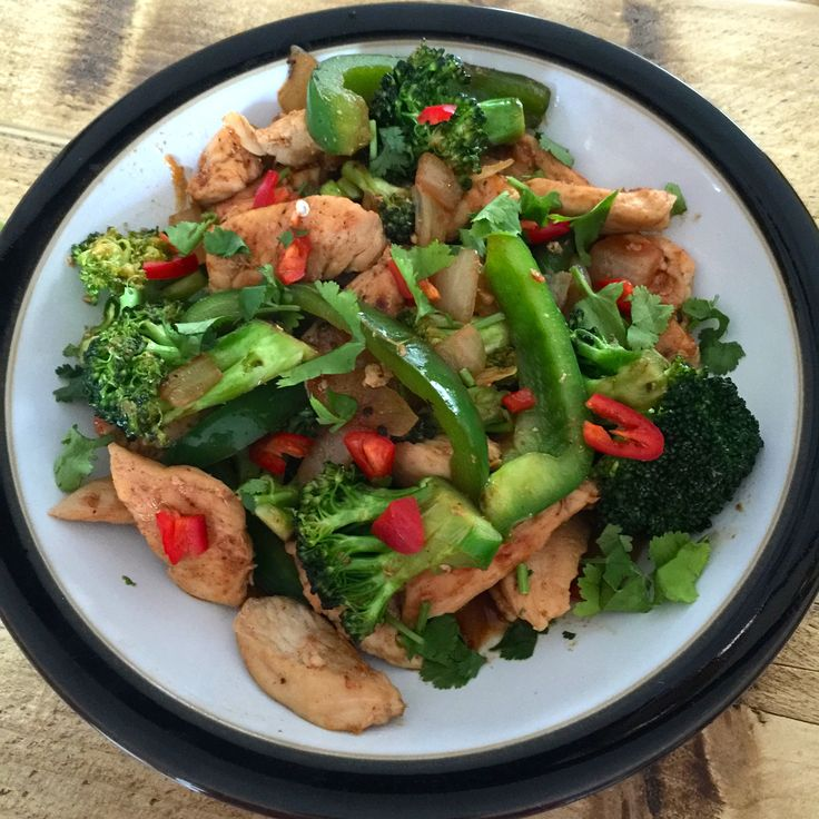 Amazing chicken stir fry following The Body Coach 90 Day SSS plan.