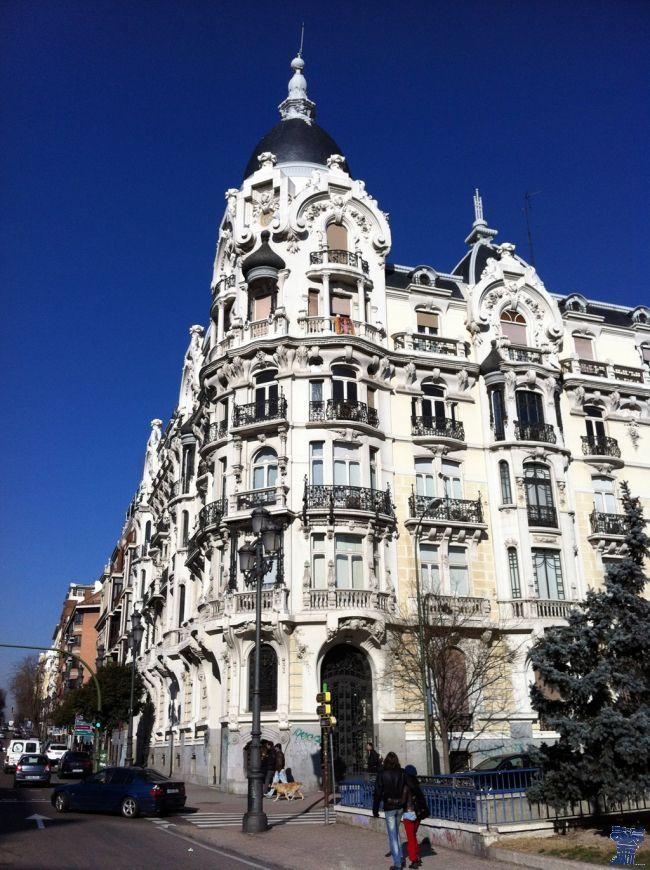 Casa Gallardo está considerada una de las obras clave de la última etapa del modernismo madrileño, construida entre 1911 y 1914 por el arquitecto Federico Arias Rey casa gallardo-2.jpg