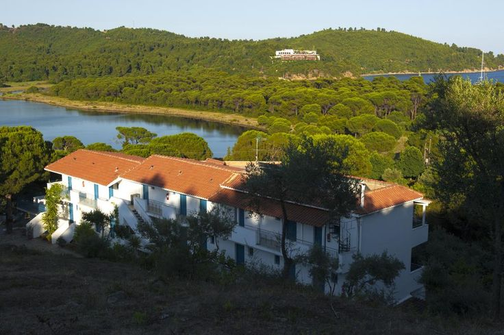 Aelia Studios || Just 150 metres from Koukounaries Beach, Aelia Studios offer self-catering accommodation with views over the Aegean Sea and Strofilia Lake. Free Wi-Fi access is available in all areas.