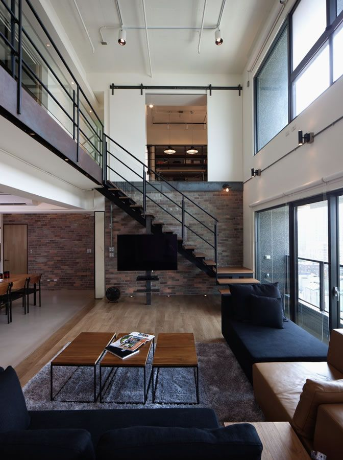The Lai Residence in Kaohsiung City, Taiwan. This penthouse is breathtaking. Spaces, materials and decoration are elegant, clean and modern, creating an amazing apartment. Definitely a great place to live!