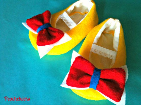 Snow White Felt Bow Tie Classic Maryjane Shoes by Peachcheeks, $20.00