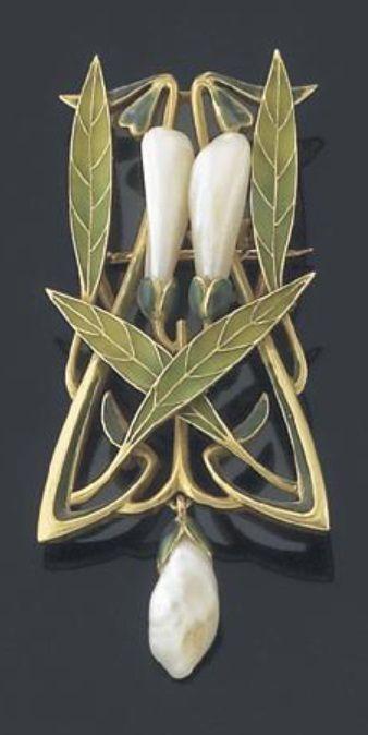 Henri Dubret - An Art Nouveau gold, enamel and pearl brooch/pendant, circa 1900